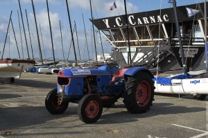 Insolite a Carnac - Tracteur de Police