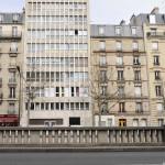 En face de l'appartement de Claude François