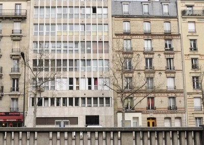 En face de l'appartement de Claude François