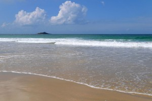Rivage de Sables d'Or les Pins et îlot saint-Michel