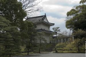 Une tour de la forteresse samouraï de Kyoto