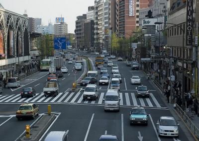 Avenue devant la gare de Shinagawa