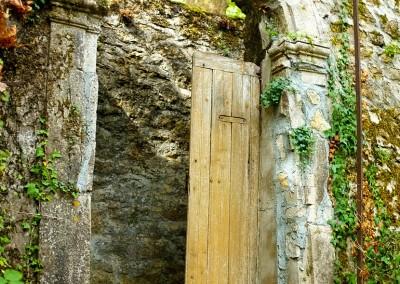 Belle porte du château de Cavagnac
