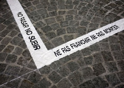 Le parvis devant Beaubourg, limites de la statue du coup de boul