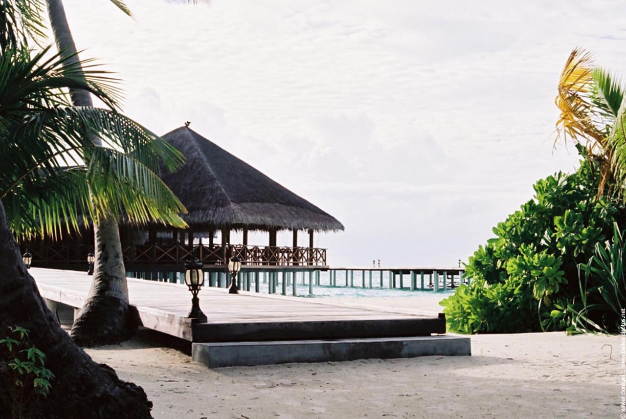 l 39 le h tel medhufushi belles photos. Black Bedroom Furniture Sets. Home Design Ideas