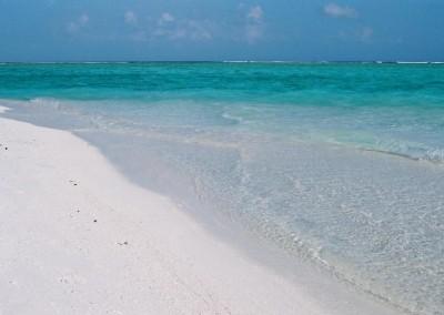 Sable blanc et eau turquoise aux Maldives