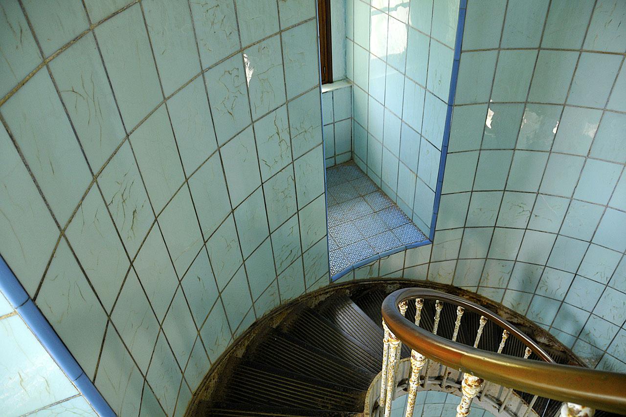 La rampe d'escalier du phare de La Coubre