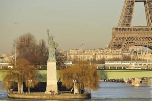 statue de la liberte tour Eiffel