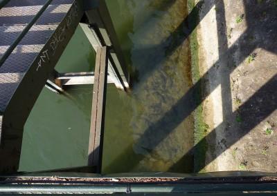 Le ponton rouille de l ile aux cygnes