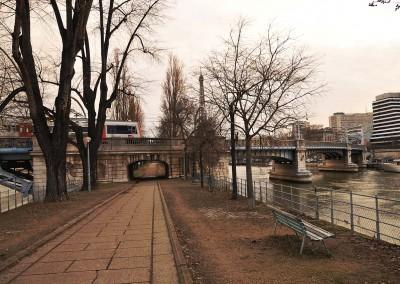 L allee des cygnes et le pont Rouelle