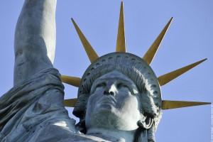 tête de la statue de la liberte - Paris
