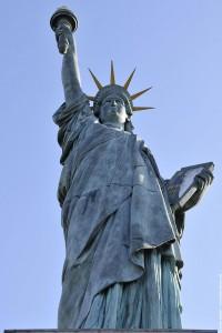 statue de la liberte Paris