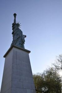 statue socle