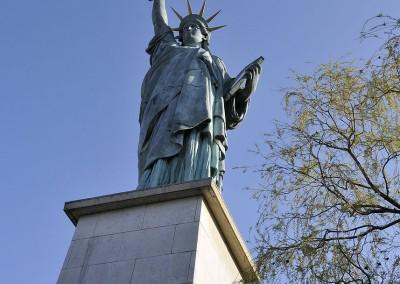 La statue de la liberte vue de dessous