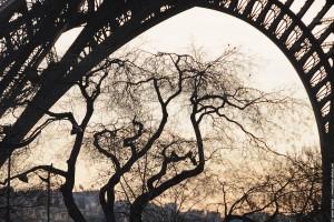 La tour Eiffel - Vue non conventionnelle hivernale