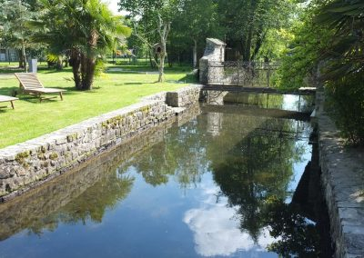 Le magnifique parc du moulin de Claude François