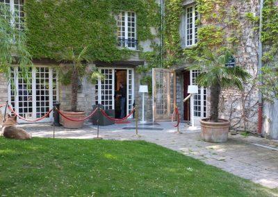 Cour intérieure - Le moulin de Claude François