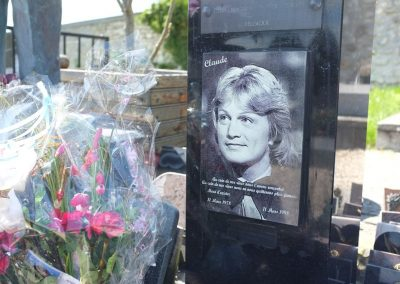 Messages sur la tombe de Claude François
