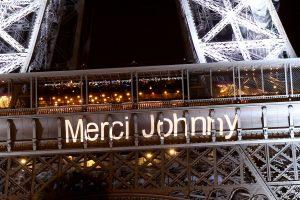 Merci Johnny sur la Tour Eiffel