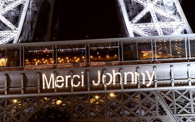 Merci Johnny sur la tour Eiffel et station Durock Johnny