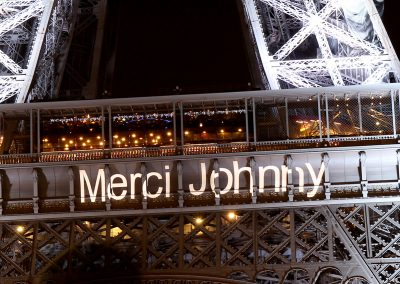 Merci Johnny sur la Tour Eiffel