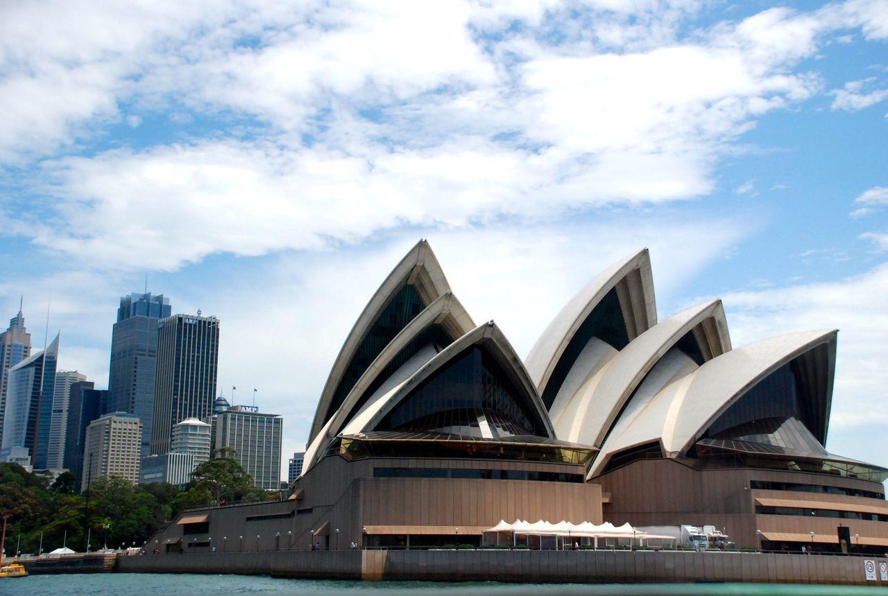 L'opéra de Sydney vu de bateau