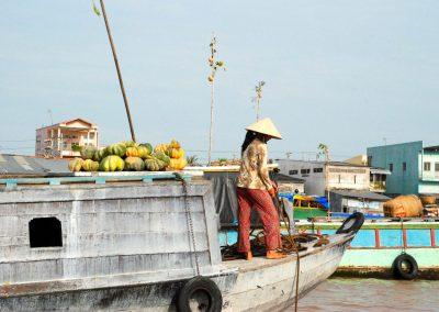Delta du Mekong : une marchande sur l'eau