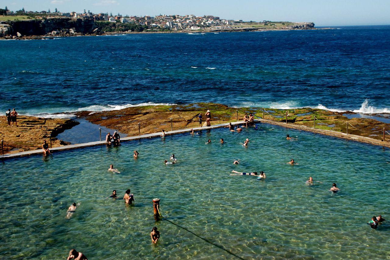 Piscine dans les rochers à Sydney