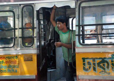 Prendre le bus à Calcutta
