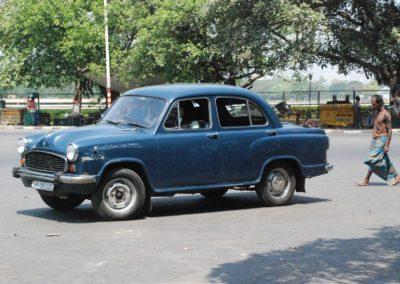 Une ambassador dans les rues de Calcutta